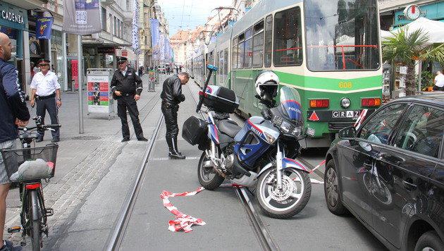 Graz: Mit Geländeauto ein Blutbad angerichtet (Bild: Christian Jauschowetz)