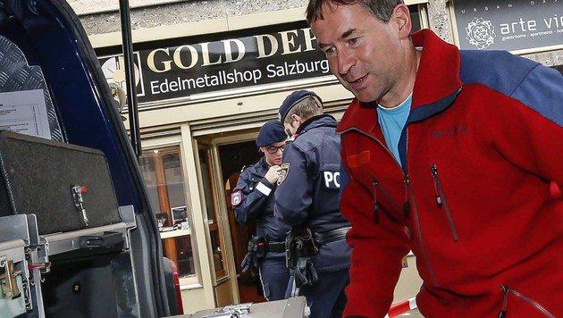 Die Spurensicherung am Tatort in Salzburg (Bild: MARKUS TSCHEPP)
