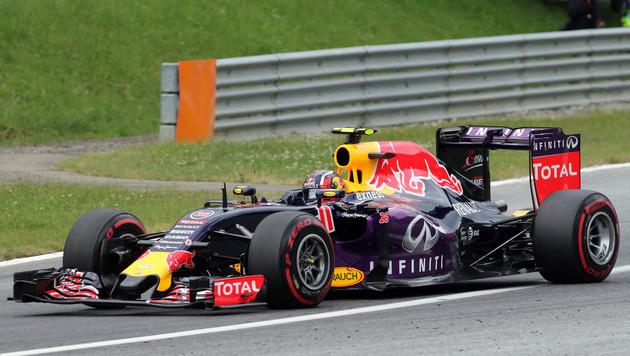 Ecclestone glaubt nicht an Red-Bull-Ausstieg (Bild: AP)