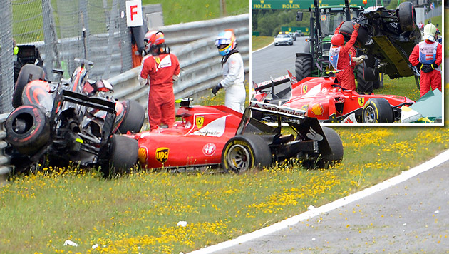 Horror-Crash! Alonso fliegt auf Räikkönen (Bild: GEPA)