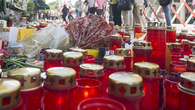Trauer in Graz (Bild: APA/ERWIN SCHERIAU)