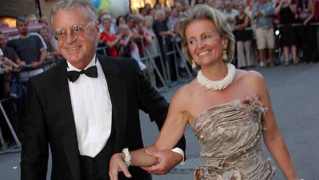 Helmuth Lohner mit Elisabeth Gürtler - insgesamt war er fünf Mal verheiratet. (Bild: Peter Tomschi)