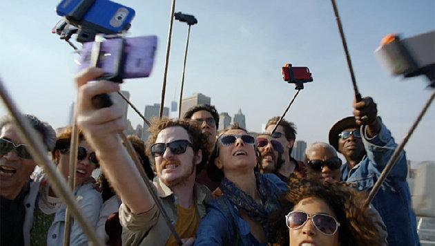 Selfie-Tod: Meiste Opfer durch Stürze zu beklagen (Bild: YouTube)