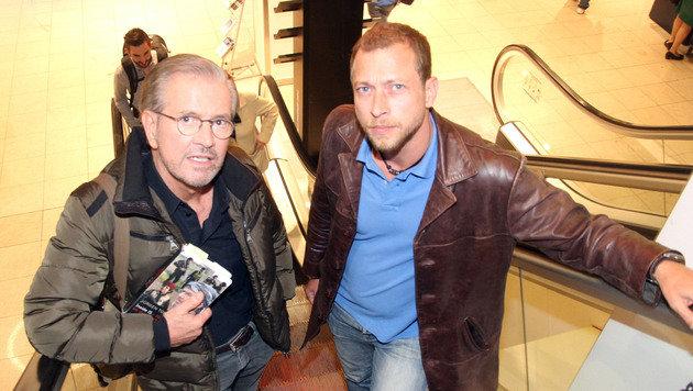 """Todenhöfer mit """"Krone""""-Journalist Klaus Loibnegger (Bild: Andi Schiel)"""