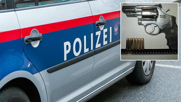 Mit diesem Revolver bedrohte der Tobende den Polizisten. (Bild: Andreas Graf, LPD Wien)