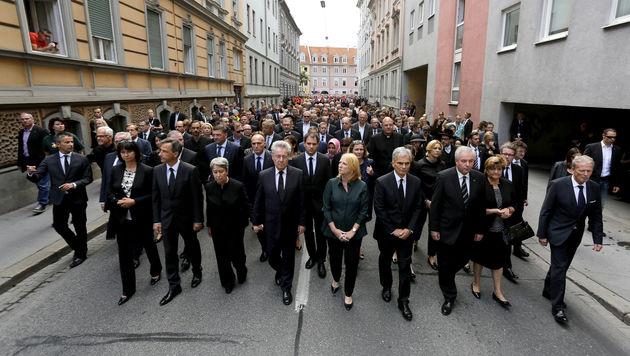 Trauermarsch in Graz (Bild: APA/ERWIN SCHERIAU)