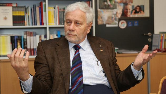 Volkswirtschafts-Professor Friedrich Schneider lehrt und forscht an der Linzer Universität (Bild: Kronen Zeitung/Chris Koller)