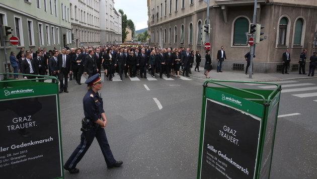 Graz: Tausende trauern um Opfer des Amokfahrers (Bild: Sepp Pail)