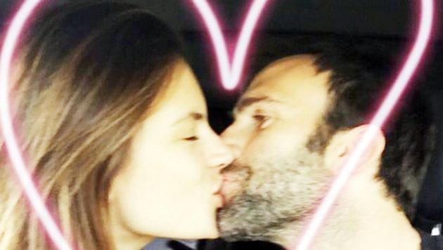 Alessandra Ambrosio und Jamie Mazur: 47 Prozent der Frauen werden am liebsten auf den Mund geküsst. (Bild: Viennareport)