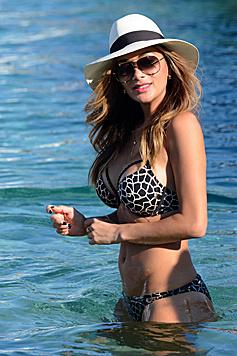 Nicole Scherzinger zeigt in Mykonos ihre sexy Kurven. (Bild: Viennareport)