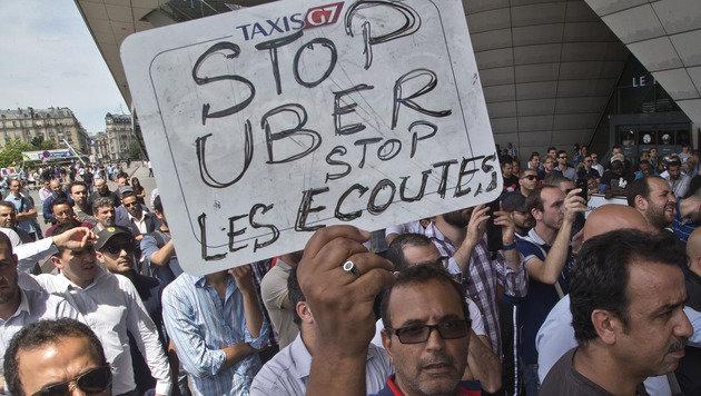Chefs von Uber Frankreich von Polizei verhört (Bild: AP)