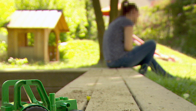 Die Ehefrau des Amokfahrers von Graz wagte in einem ORF-Interview den Schritt an die Öffentlichkeit. (Bild: ORF)
