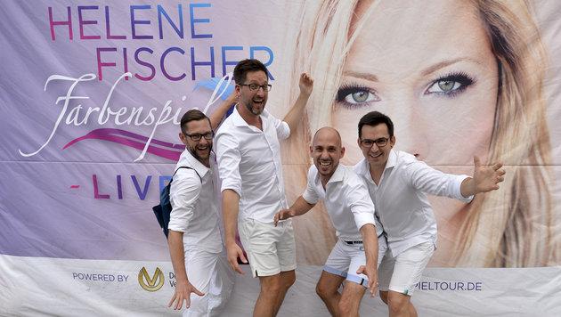 Vor dem Konzert konnten sich Fans gemeinsam mit Helene Fischer ablichten lassen. (Bild: APA/HERBERT NEUBAUER)