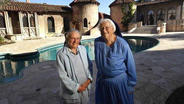 Die Ordensschwestern Catherine Rose (86) und Rita Callanan (77) wollen ihr Kloster retten. (Bild: Viennareport)