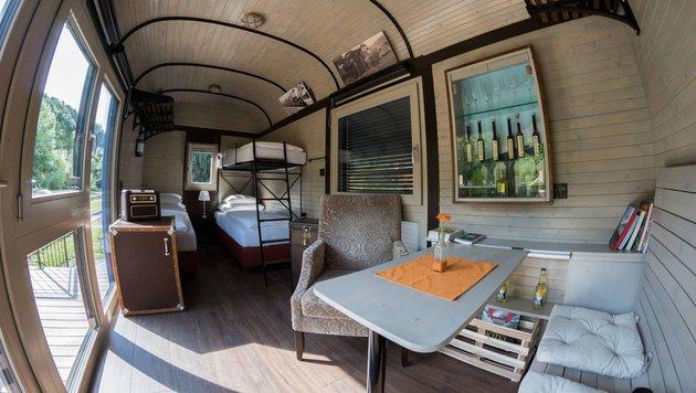 Jetzt ist daraus ein Hotel geworden. Der Innenraum des alten Waggon wurde modernst eingerichtet. (Bild: foto-MAXL.at)