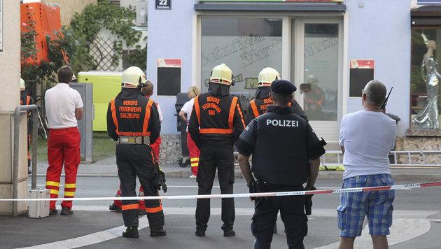 Mann bedrohte Familie: Polizei-Großeinsatz in Sbg (Bild: MARKUS TSCHEPP)