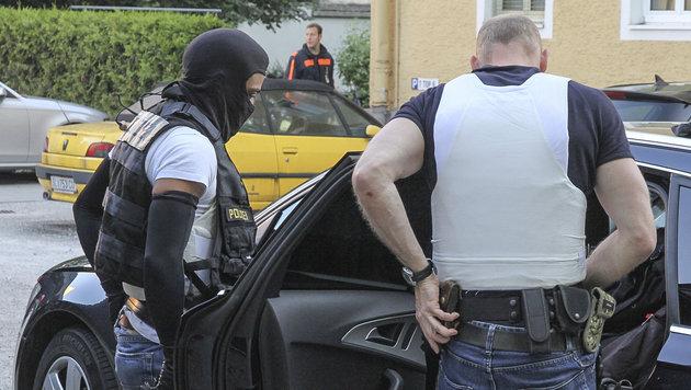 Beamte der Spezialeinheit (Bild: MARKUS TSCHEPP)
