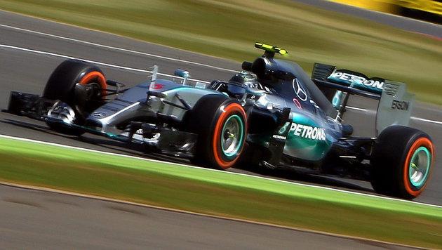 Vettel: Reifenplatzer sind weiterhin inakzeptabel (Bild: APA/EPA/GEOFF CADDICK)