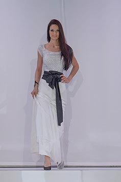 Annika Grill im Abendkleid (Bild: Viennareport)
