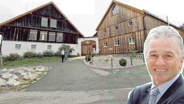 Im noblen Sportbauernhof in Waldzell (OÖ) hatte Ex-Boss Karner auch eine Wohnung. (Bild: Markus Tschepp)