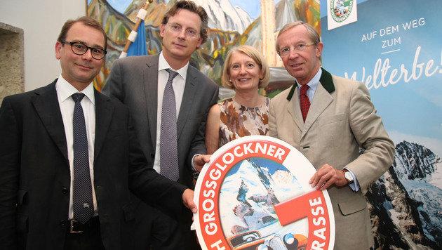 Bernd Paulowitz, Johannes Hörl, Barbara Neubauer und LH Wilfried Haslauer (Bild: Neumayr)
