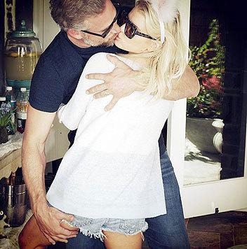 Jessica Simpson gefällt ihrem Ehemann in Hotpants besonders gut. (Bild: Viennareport)