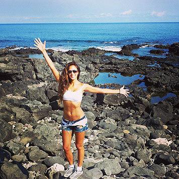 Nicole Scherzinger genießt den Sommer und das Singleleben in lässigen Hotpants. (Bild: Viennareport)