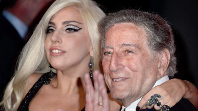 Lady Gaga und Tony Bennett begeistern das Publikum (Bild: PAUL BUCK/EPA/picturedesk.com)