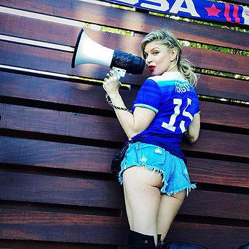 Sängerin Fergie macht in Hotpants eine starke Ansage. (Bild: Viennareport)