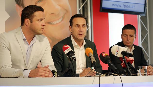 Alle FPÖ-Listen-Kandidaten für die Wien-Wahl im Sozialbau müssen ausziehen, so Strache. (Bild: Klemens Groh)