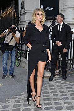 Nicht minder sexy: Rosie in einem heißen Outfit in Paris (Bild: Viennareport)