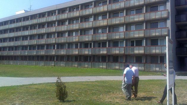 Das Uni-Gebäude befindet sich in Gabcikovo etwa 56 Kilometer von Bratislava entfernt. (Bild: APA/BMI)