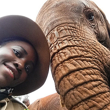 Lupita Nyong'o urlaubt in Kenia und setzt sich dort für den Tierschutz ein. (Bild: Viennareport)