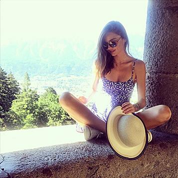Miranda Kerr kam nach Wattens, um dort Schmuck zu präsentieren und die Berge zu genießen. (Bild: Viennareport)