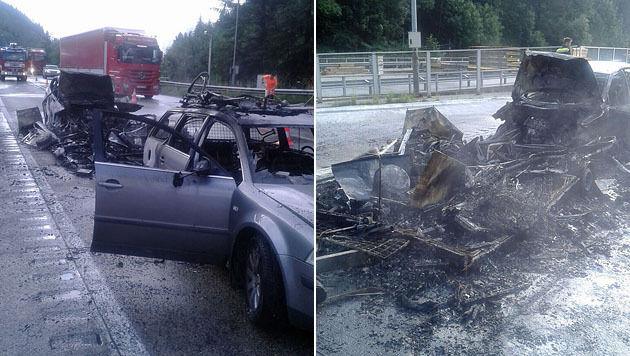 Auto und Wohnwagengespann gingen in Flammen auf (Bild: Asfinag)