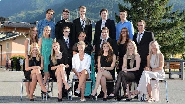 Mit Stolz  posieren  die Maturanten der 8c des BORG in Mittersill vor der Kamera. (Bild: Borg Mittersill)