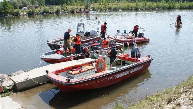 Elf Feuerwehren beteiligten sich an der Suche nach dem 15-Jährigen. (Bild: FF Feldkirchen/David Wilfling)