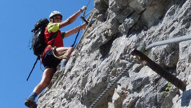Zwei Alpinisten kamen am Freitag in Klettersteigen (Symbolbild) zu Tode (Bild: Günther Krauthackl)