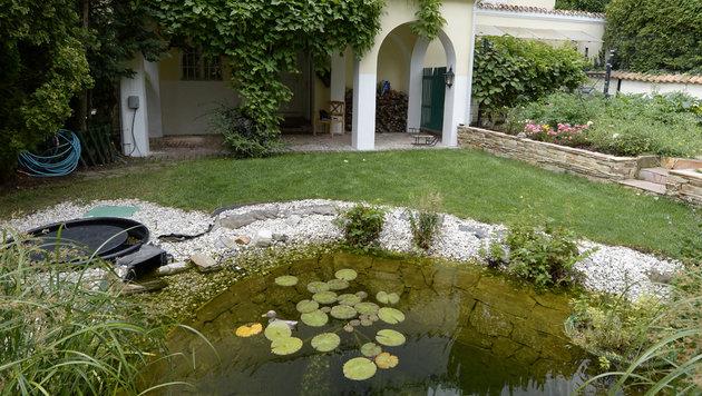 Geheim-Auktion in der Alexander-Villa (Bild: APA/HANS KLAUS TECHT)