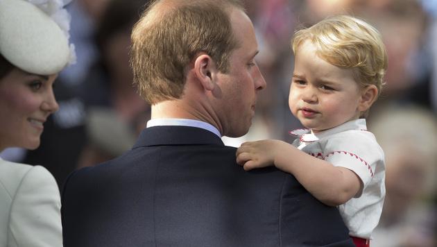 Prinz George und Prinz William (Bild: AP)