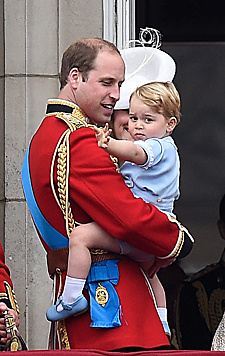 Prinz George und Papa Prinz William (Bild: EPA)