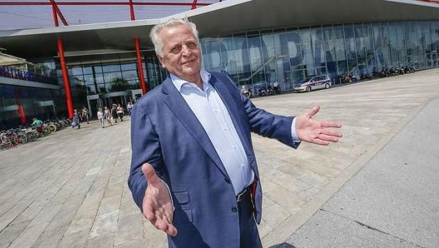 """Minister Hundstorfer: """"So etwas noch nicht erlebt."""" (Bild: Markus Tschepp)"""