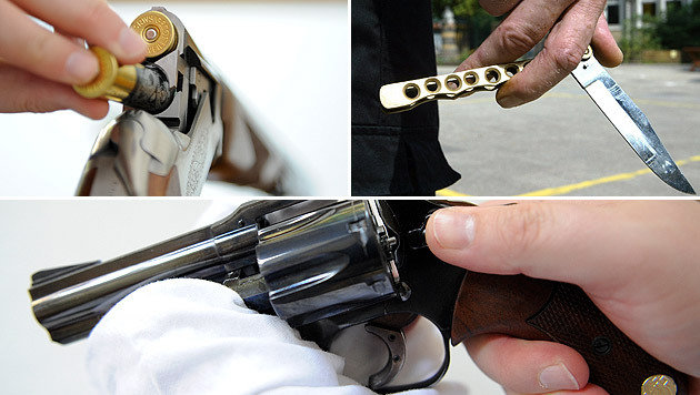 Immer mehr Menschen greifen bei Straftat zu Waffen (Bild: APA/HERBERT NEUBAUER, dpa/Ingo Wagner (Symbolbild))