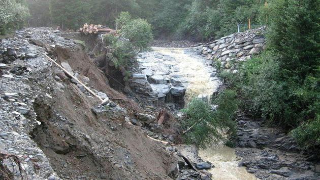 In Kärnten kam es zu Überschwemmungen. (Bild: APA/FF RENNWEG)