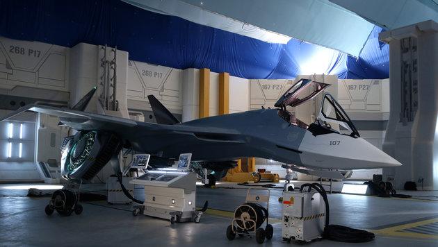 """Am Set von """"Independence Day Resurgence"""": intergalaktischer Fighter-Jet (Bild: Invision)"""