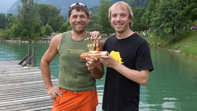 """""""Goldene Krone"""" für Herbert Klabacher (li.) und Marco Albrecht (Bild: Neumayer/www.neumayr.cc)"""