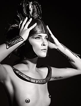 Erin Wasson (Karl Lagerfeld, 2011) (Bild: PIRELLI CALENDAR PRESS OFFICE/EPA/picturedesk.com)