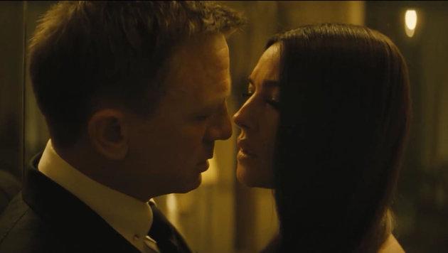 Auch Bond-Woman Lucia Sciarra (Monica Bellucci) kommt 007 nah. (Bild: Viennareport)