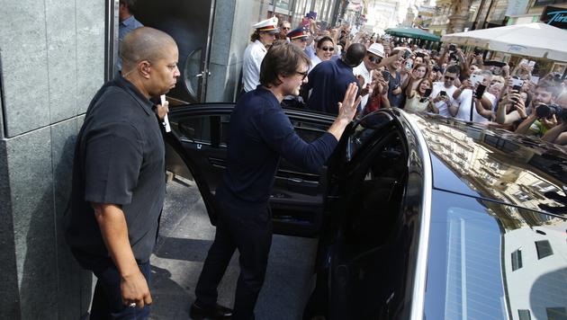Nachdem sich Tom Cruise sein Mittagessen im Haas Haus schmecken ließ, badete der Star in der Menge. (Bild: Reinhard Holl)