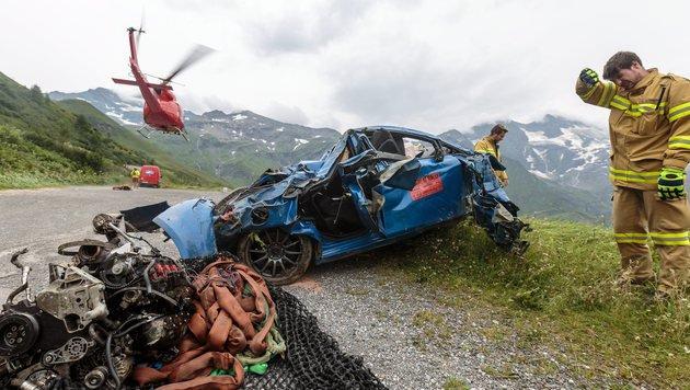 Der Seat Leon wurde beim Absturz völlig zerstört. (Bild: APA/EXPA/JFK)